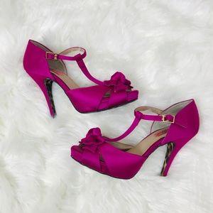 Betsy Johnson Canddee Hot pink satin heels